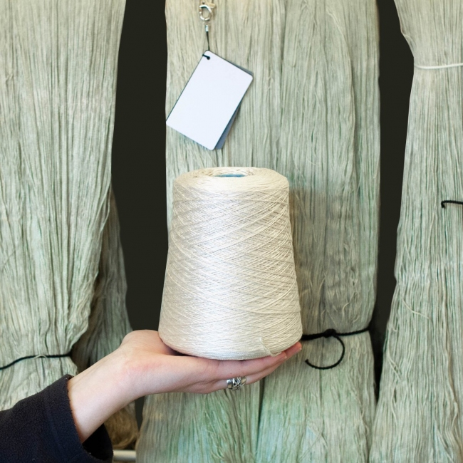 Seaweed dye and animal + cellulose fibres